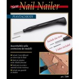 Device for inserting nails navomodelism